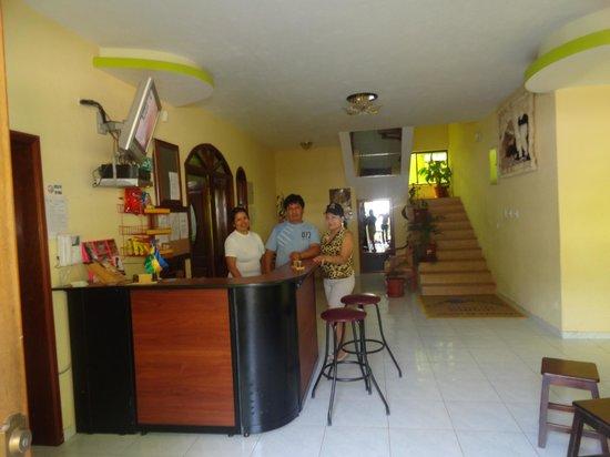 Hotel & Spa Nuevobaños: RECEPCION DEL HOTEL, SALA DE ESPERA, ZONA WIFI E INTERNET