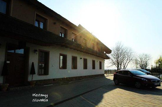 Rybarsky Dvor: Hotel entrance