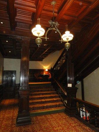 Crown Room Brunch at Hotel del Coronado: Stairs