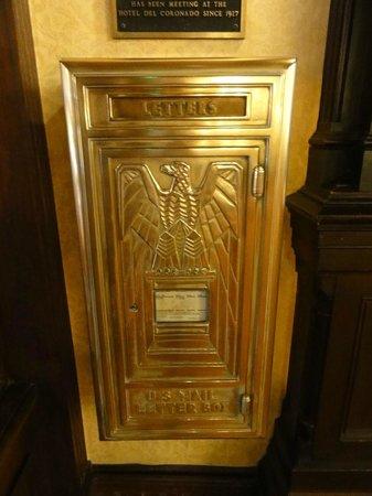Crown Room at Hotel Del Coronado: Indoor Post Box