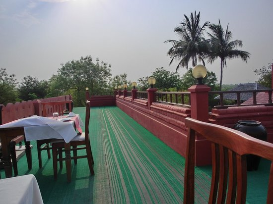 Thurizza Hotel Bagan: Rooftop