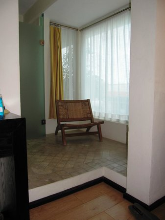 Hotel El Punto: bath area