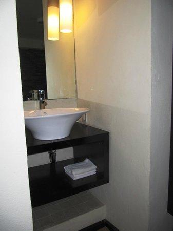Hotel El Punto: sink