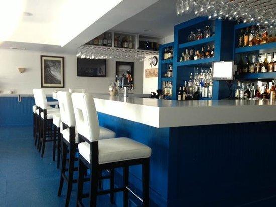 Shorebreak Lodge: the bar
