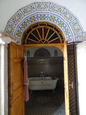 Riad Dar Mayssane : the bathroom from the bedroom