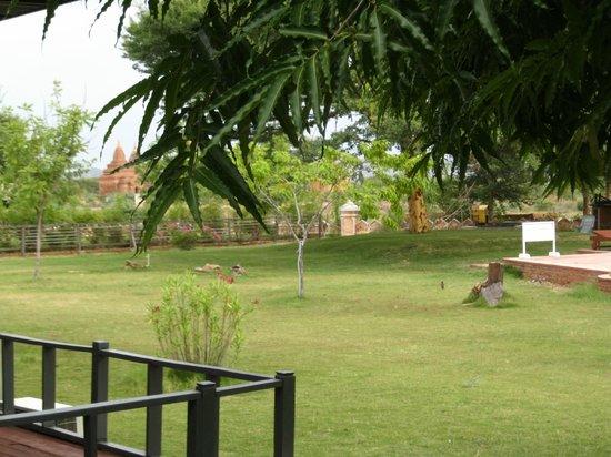 Kumudara Hotel Bagan: Stupas and Serenity