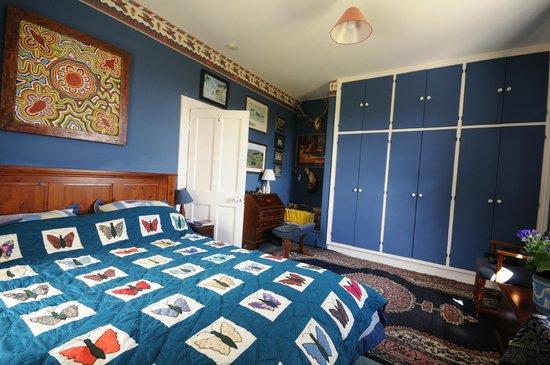 Saratoga Lodge: Blue Bedroom