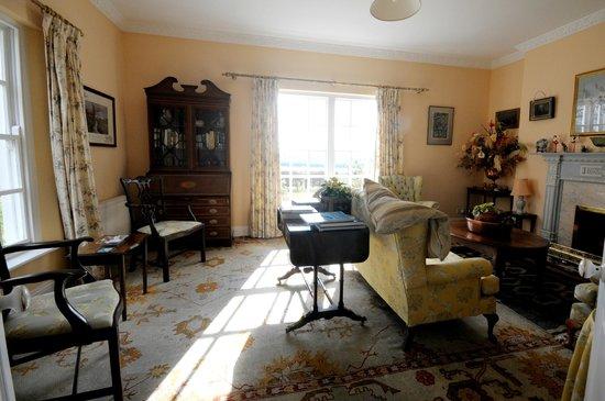 Saratoga Lodge: Sitting Room