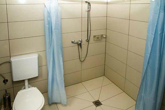Milton Park: Shower