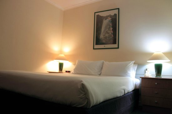 Mercure Launceston: Sample Queen Room