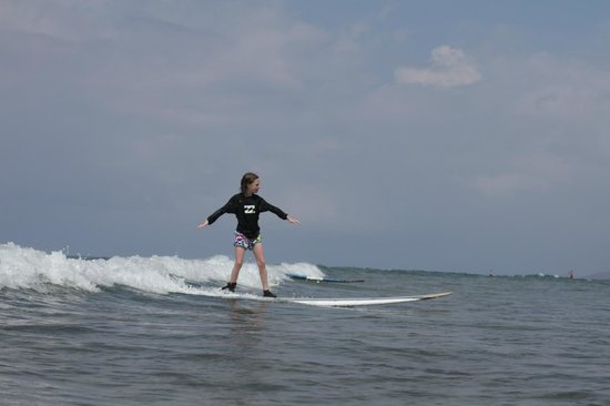 Waves Hawaii Surf School: our daughter surfing
