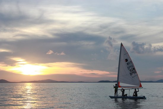 Pulau Joyo: sailing at sunset