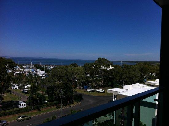 Akama Resort: Side view