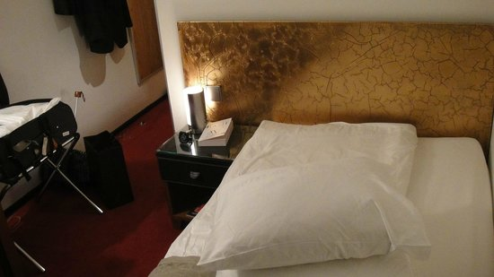 Hotel du Theatre: Single Bed