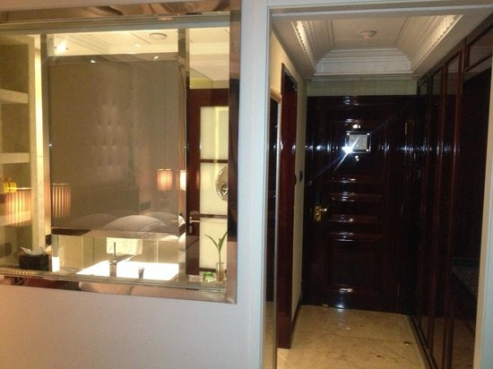 Victoria Grand Hotel: View of the room