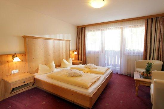 Alpenhof Brixen: Doppelzimmer Landhausstil