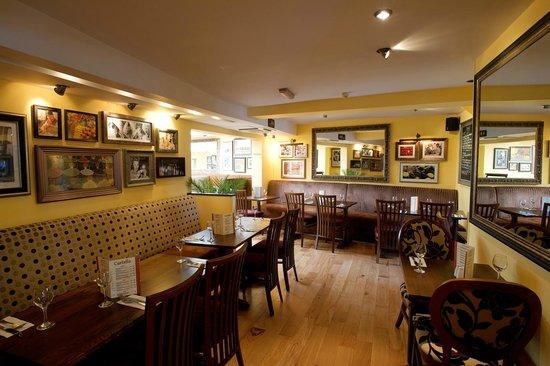 Castello Restaurant: Interior