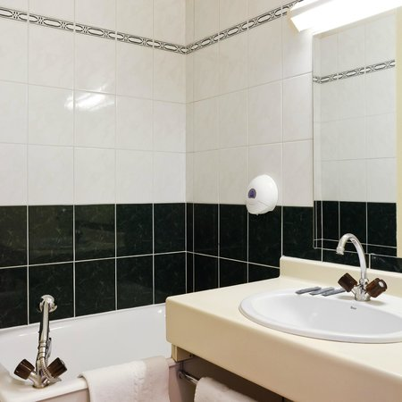 Hotel Le Lumiere: Salle de bain