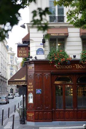 Photo of French Restaurant Au Petit Riche at 25 Rue Le Peletier, Paris 75009, France