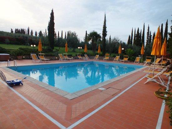 Agriturismo Vecchio Borgo di Inalbi: piscina grande