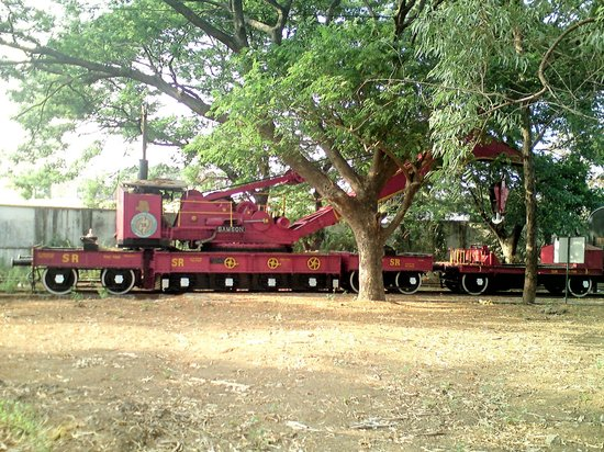 Chennai Rail Museum: Rail Crain Train used in Olden days