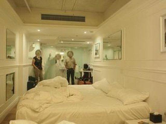 Mini Hotel Causeway Bay Hong Kong : room