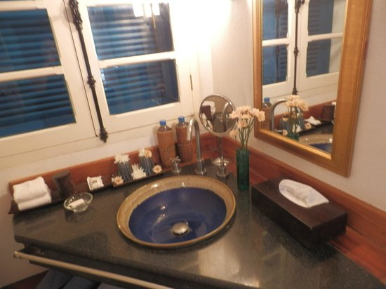 The Belle Rive Boutique Hotel: Hand Basin Area