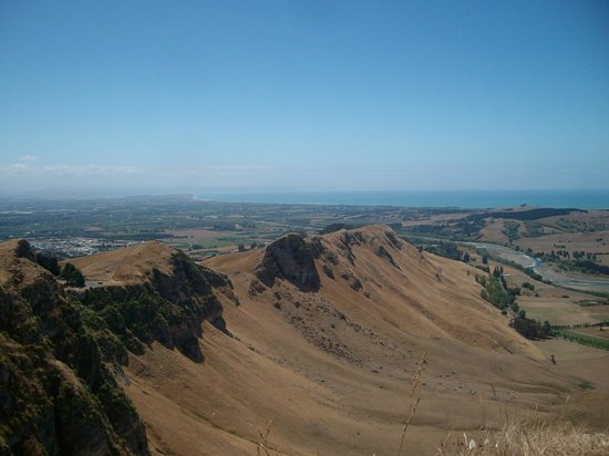 Prinsy's Tours Hawkes Bay: View from Te Mata Peak to Hawke's Bay
