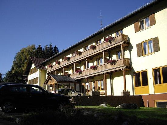 Morada Hotel Bischofsmais: Strassenansicht