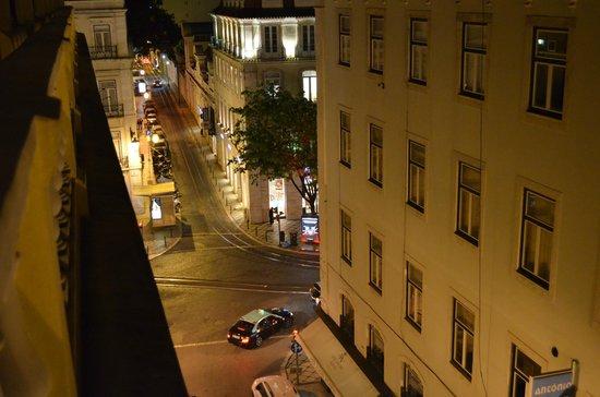 Lisbon Poets Hostel: View to the Chiado