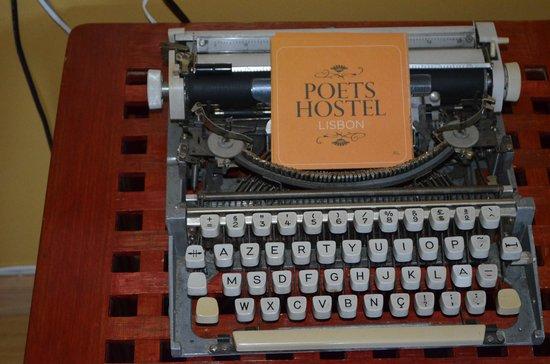 Lisbon Poets Hostel: Decoration