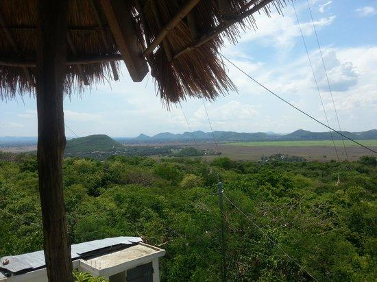 Phnom Sampeau: Uitzicht vanop de top