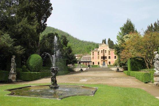 Labirinto Foto Di Giardino Valsanzibio Galzignano Terme