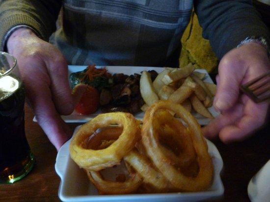 The Castle Inn: Sirloin Steak and Onion Rings