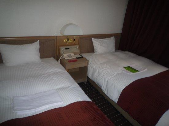Art Hotel Joetsu: 清潔名部屋、寝やすいベッド