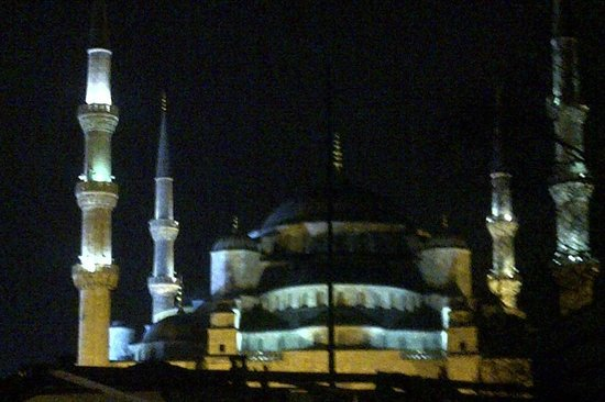 Sarnic Hotel: Blue Mosque from Sarnic rooftop cafe