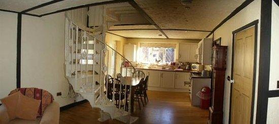 Solent Reach Mews: No 5 cottage