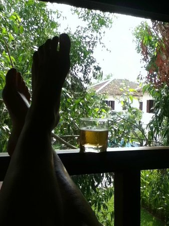 Victoria Xiengthong Palace: relaxed beer.