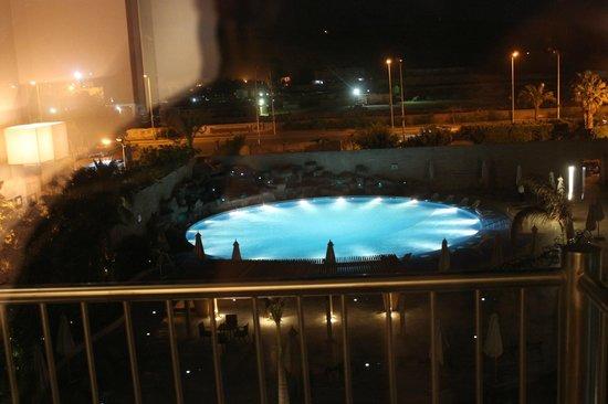 فندق لي مريديان بيرمدز: amazing pool