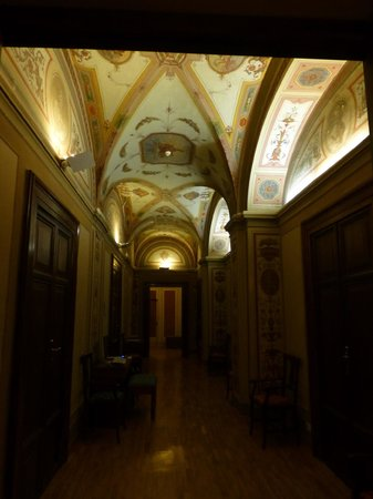 Relais Pierret Piazza di Spagna : Hallway outside our room