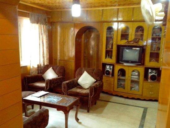 Hotel JH Bazaz (Happy Cottage) : JH BAZAZ