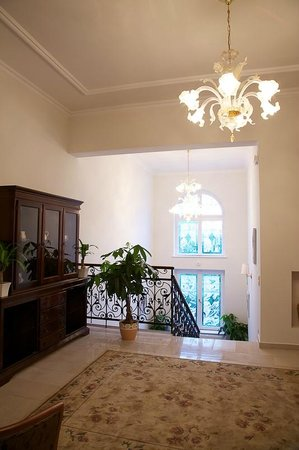 Jokai Villa Hotel: Stairs