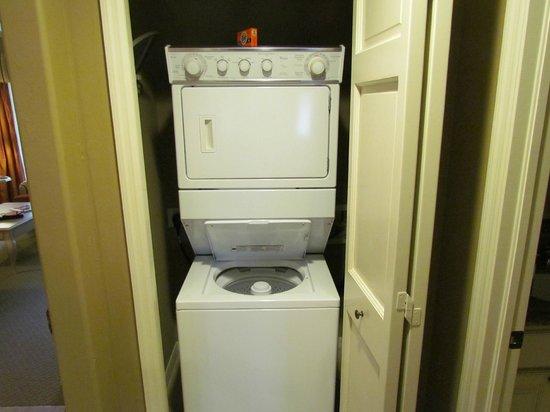 Bellasera Resort: Laundry and dryer