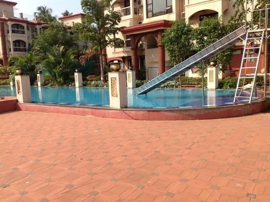 Sun City Resort: Добавить подпись