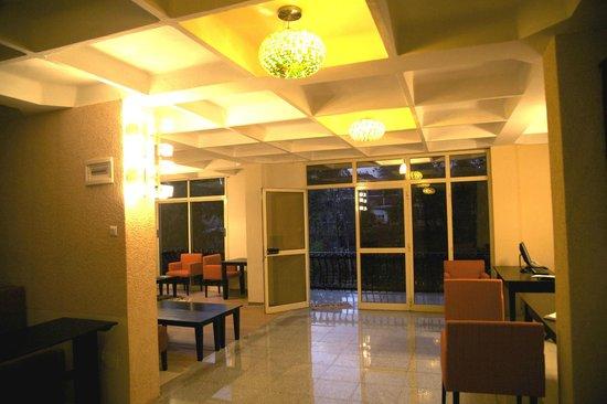 RiverSide Apartment Hotel: Enterance