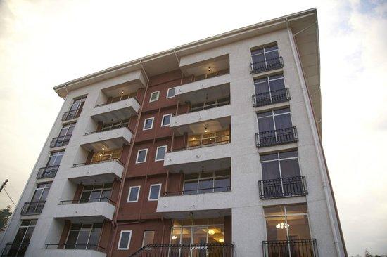 RiverSide Apartment Hotel: Building