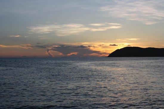 Tropical Resort: The beach