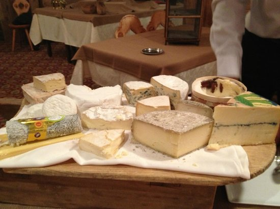 Hotel Le Sherpa - Val Thorens : THE cheeseboard :)