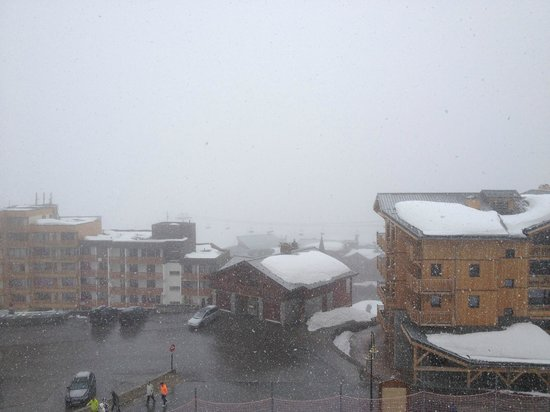 Hotel Le Sherpa - Val Thorens : And still more snow!
