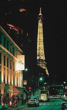 France Eiffel Hotel: Spectacular view of the Eiffel Tower!